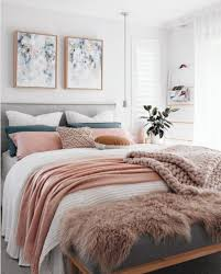Small Bedroom Ideas With Queen Bed And Wardrobe