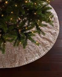 White Christmas Tree Skirt Walmart by 188 Best Christmas Tree Skirt Or Tablecloth Images On Pinterest
