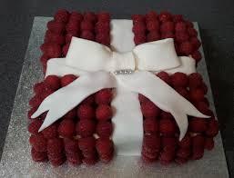 How to Bake White Chocolate Raspberry Gift Cake Recipe tutorial