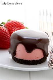 No bake mini strawberry cheesecakes with chocolate ganache Recipe from bakedbyrachel