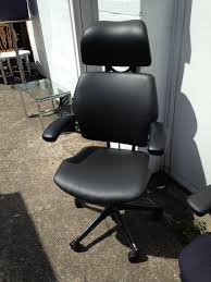 refurbished black leather human scale freedom chairs in eltham