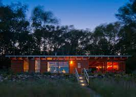 104 Beach Houses Architecture Ramsey Jones Creates Slim Cottage On Lake Michigan