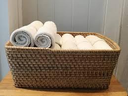 stapel des stoffes handtuch serviette taschentuch auf dem