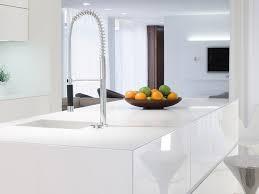 robuste arbeitsplatten aus glas für ihre küche