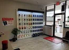 uBreakiFix Brookfield CT Store 3