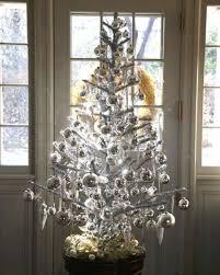 Christmas Tree Bead Garland Ideas by Martha U0027s Holiday Decorating Ideas Martha Stewart