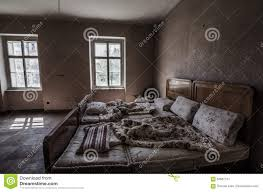 altes verlassenes schlafzimmer stockbild bild denkmal