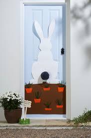Scary Halloween Door Decorating Contest Ideas by Best 25 Dorm Door Decorations Ideas On Pinterest Dorm Door