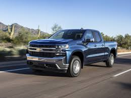2019 Chevrolet Silverado 4-Cylinder Turbo First Review | Kelley Blue ...