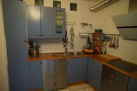ikea küche in blau buche edelstahl l form porzelanknöpfe