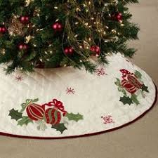 Quilted Ornaments Christmas Tree Skirt