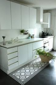 tapis pour la cuisine sol vinyl pour cuisine 1 tapis vinyl effet carreaux de ciment
