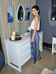 VICTORIA JUSTICE At Pottery Barn Teen Launch Event In Los Angeles ... Ali Larter At Ken Fulk For Pottery Barn Private Event In Los Olivia Stuck Teen Launch Angeles Kids Baby Fniture Bedding Gifts Registry Kate Beckinsale Shopping Santa Monica During A Halloween Carnival Benefiting Operation Smile Console Tables Marvelous Shadow Box Coffee Table Diy Alison Sweeney And Her Son Celebrities To Open First West Coast Outlet Store Tejon Mall Plant Planters Startling Blue