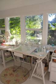 Toddler Art Desk Uk by Best 20 Drawing Desk Ideas On Pinterest Drawing Room Table