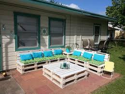 DIY Pallet Patio Furniture 8 Pallets 16 Weatherproofing Stain 30 Paint