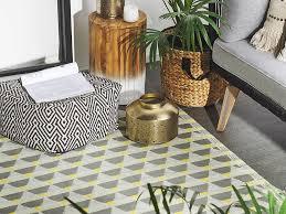 outdoor teppich grau gelb 120 x 180 cm dreieck muster
