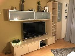moderne wohnwand schrankwand sideboard ahorn hell mit tisch