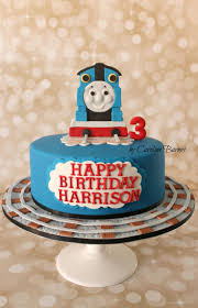 Thomas The Tank Engine Bedroom Decor by 25 Best Thomas Tank Engine Cake Ideas On Pinterest Thomas The