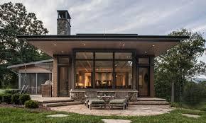 100 Oaks Residence Twin Bay Window Exterior Samsel Architects