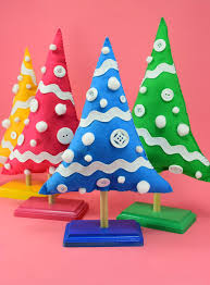 Make These Colorful Christmas Trees On Stands Out Of Felt For Holiday Decor With Some POP