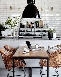 küche schwarz weiß rückwand metrofliesen weiße