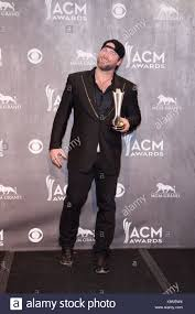 100 I Drive Your Truck By Lee Brice Poses In The Press Room With The Song Of The