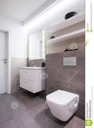 graue fliesen im badezimmer stockbild bild hahn