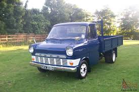 1969 CLASSIC FORD TRANSIT. HISTORIC DROPSIDED TRUCK.