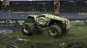 100 Max D Monster Truck River Colton Eichelberger Freestyle Rosemont YouTube