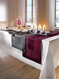 idée de décoration de noël chic et moderne pour votre table