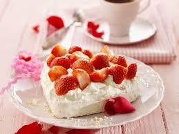 erdbeer meringue herz