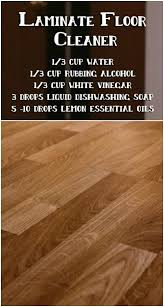 Laminate Flooring Bubbles Due To Water by Best 25 Laminate Flooring Fix Ideas On Pinterest Installing