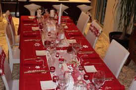 table aux couleurs du père noël aussi beau que bon