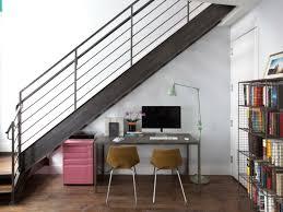sous bureau original aménagement sous escalier propositions originales bureaus