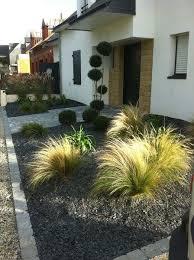 deco jardin devant maison amenagement bordure terrasse maisondours