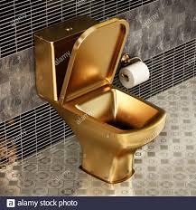 goldenes toilettenzubehör stockfotos und bilder kaufen alamy