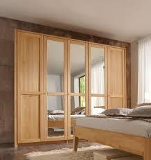 kleiderschrank front 2 massivholzschrank in buche massiv 5 türig mit 3 spiegeltüren