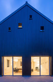 100 English Architects Gresford Completes Energyefficient House Modelled On A Barn