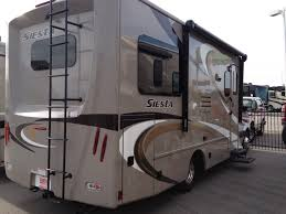 How Much Can You Tow With A Small Motorhome?