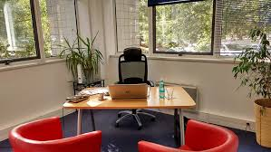 bureau à louer toulouse location de bureaux équipés à toulouse labège pour 1 à 6 personnes