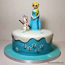 rezept die eiskönigin elsa und olaf auf einer torte das