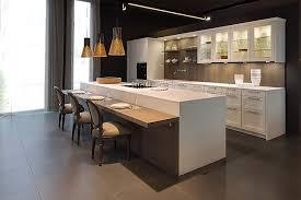 leicht musterküche hochwertige landhaus küche echtholz