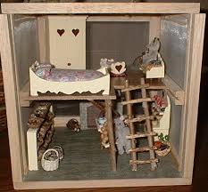 miniatures pour maison de poupées vitrines etc