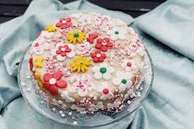 torte zum geburtstag meine erste torte mit fondant deko