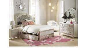 Sofia Vergara Sofa Collection by Petit Paris Champagne 6 Pc Full Panel Bedroom