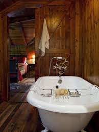 Rustic Cabin Bathroom Lights by Best 25 Cabin Bathrooms Ideas On Pinterest Log Cabin Bathrooms
