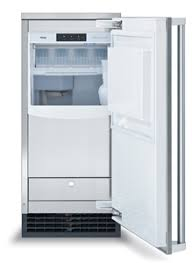 The Viking FPIM515 Icemaker