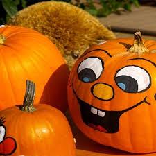 Funny Pumpkin Carvings Youtube by Best 25 Cute Pumpkin Faces Ideas On Pinterest Easy Pumpkin