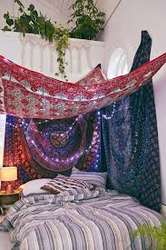 Hang Tapestry Over Bed Renter s Idea Hang A Tapestry Over Bed With