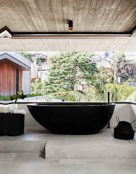 dunkle stehende badewanne im bild kaufen